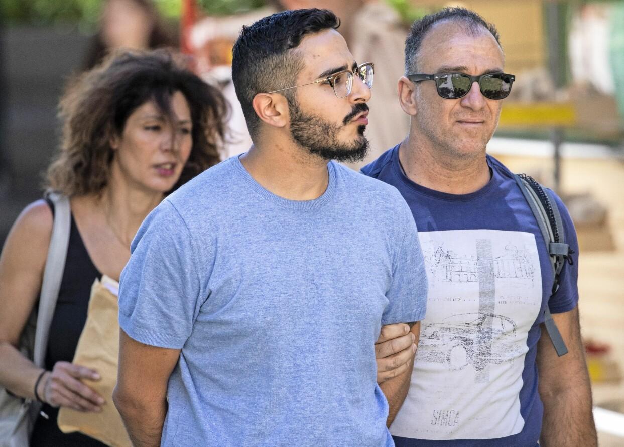 Shimon Hayut, alias Simon Leviev, greps i Aten i somras.