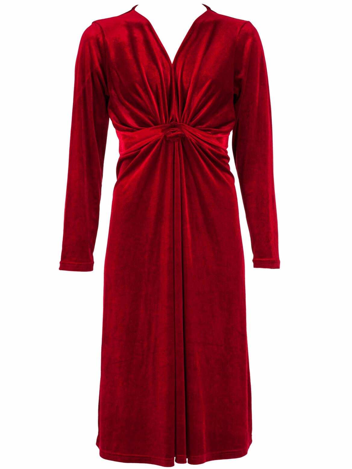 Röd klänning.
