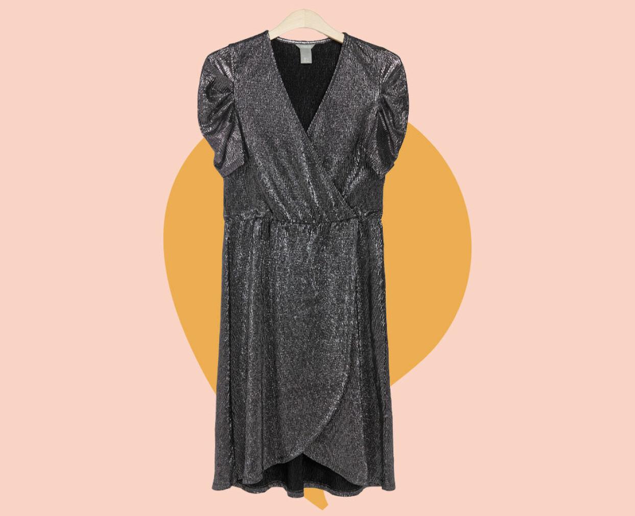 Kort silvrig klänning från Lindex.