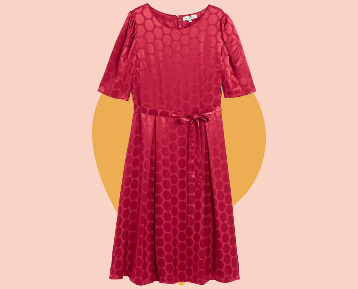 Röd glansig klänning från Kappahl.