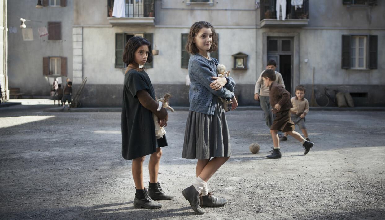 Scen ur tv-serien Min fantastiska väninna baserad på Elena Ferrantes succéroman.