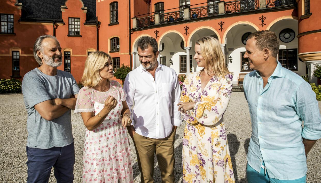 Björn Kjellman, Pernilla Wahlgren, Dragomir Mrsic, Julia Dufvenius och Måns Möller i Stjärnorna på slottet.