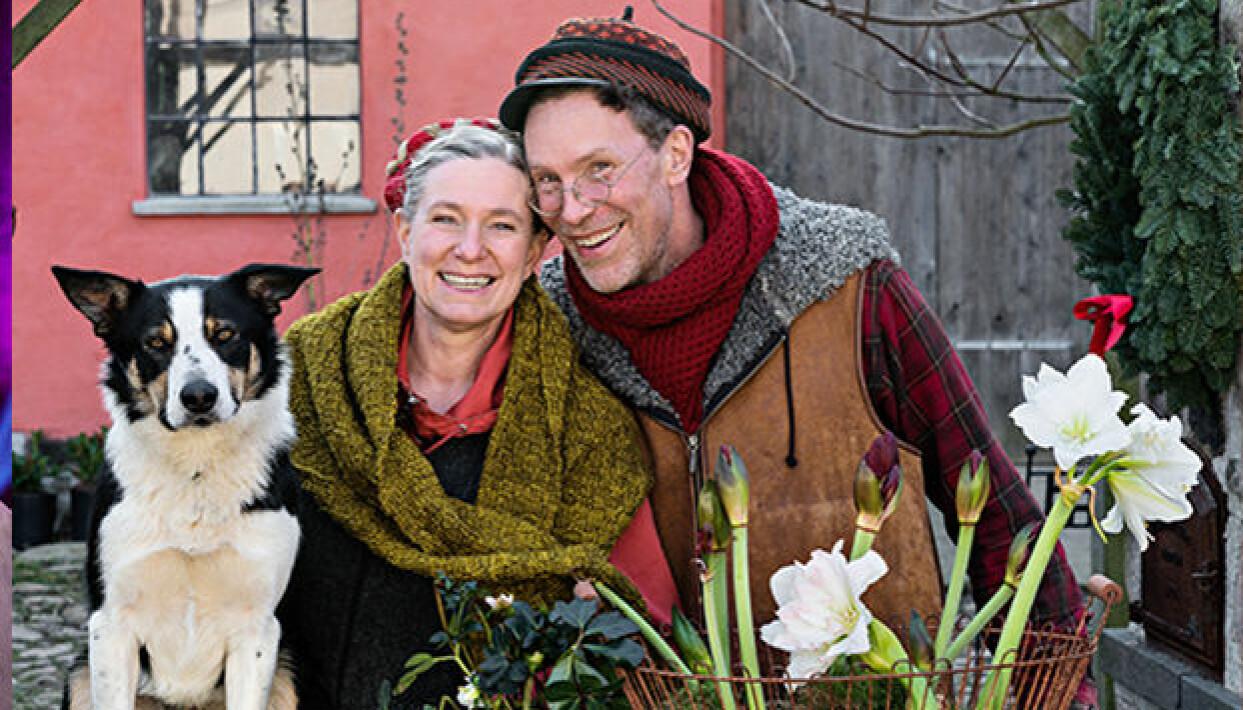 Marie och Gustav Mandelmann under inspelningen av Mandelmanns jul på gården Djupadal.
