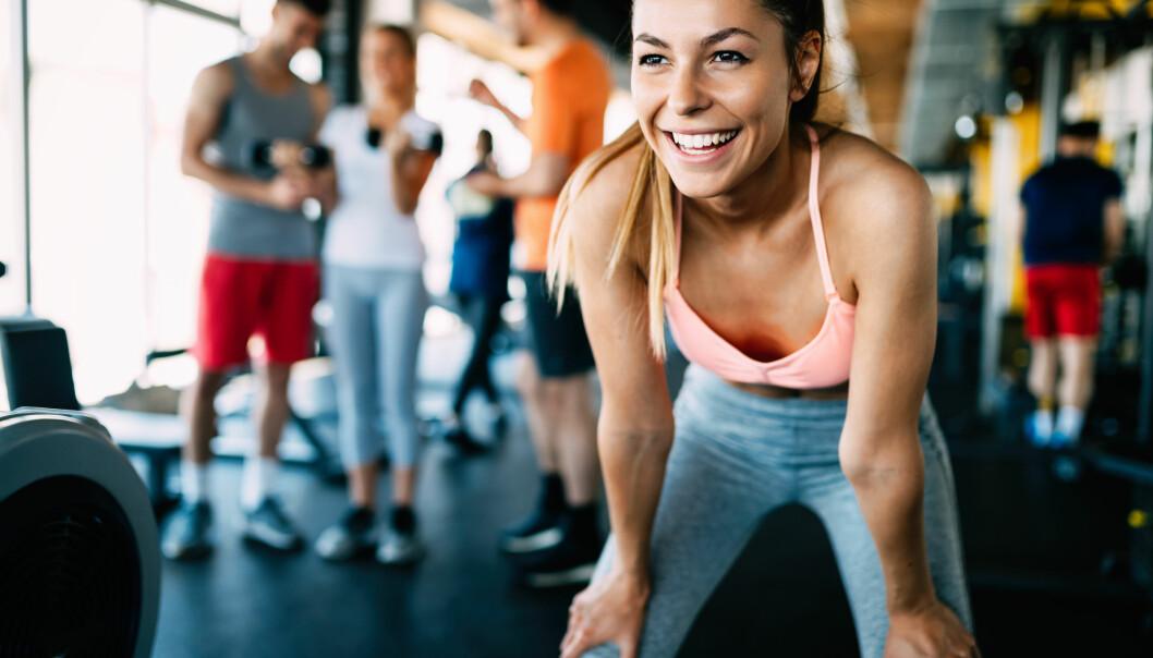 Kvinna i träningskläder efter ett träningspass.
