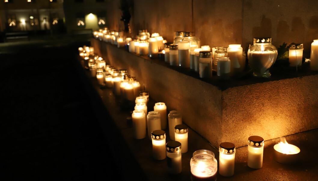 Tända ljus för mördade Wilma Andersson, 17 i Uddevalla.