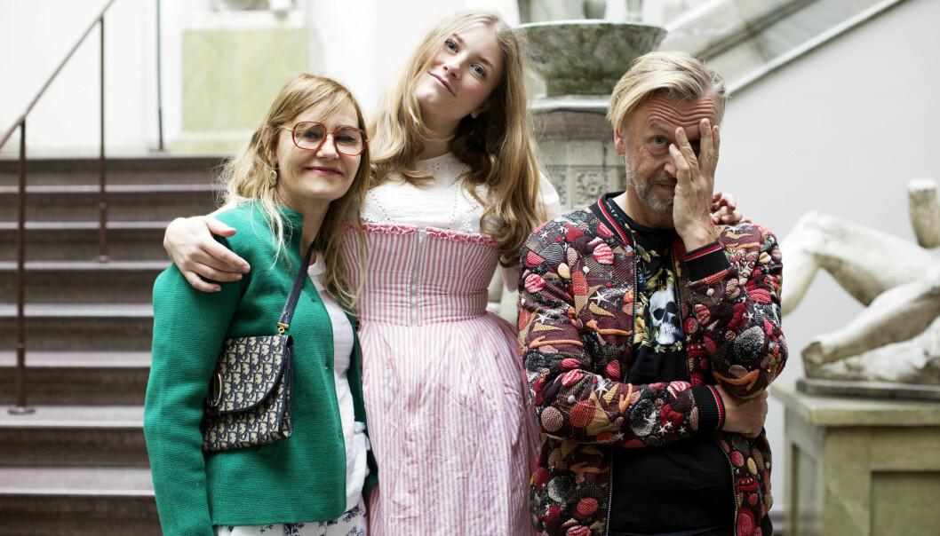 Elsa Billgren tillsammans med Helena Billgren och Ernst Billgren.