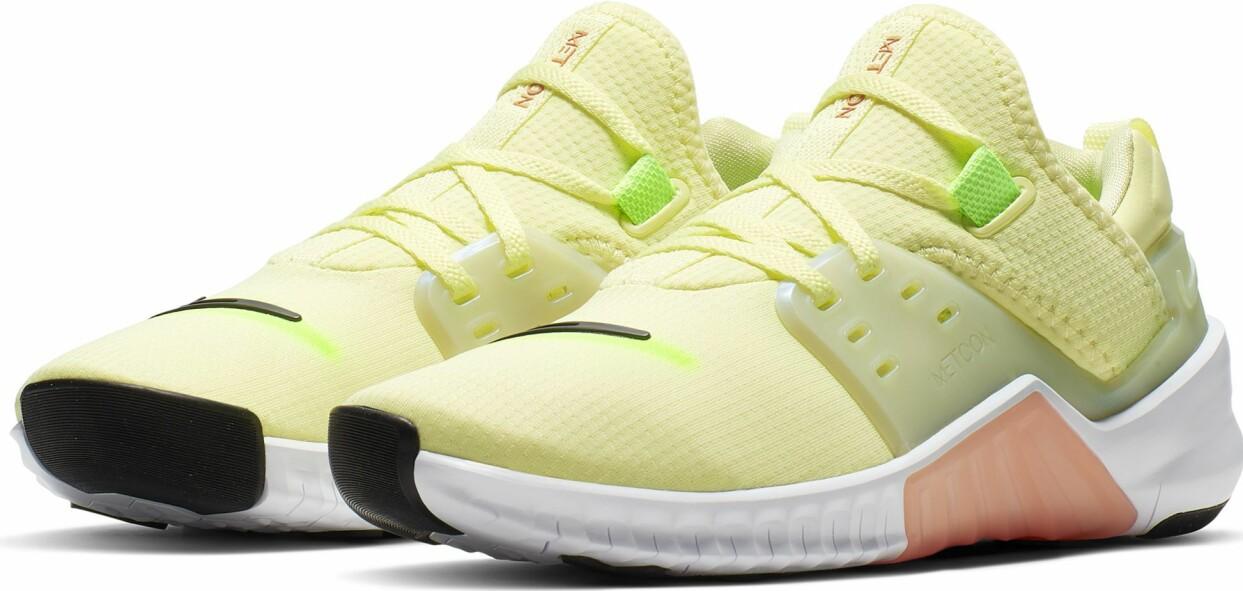 Ljusgula träningsskor från Nike
