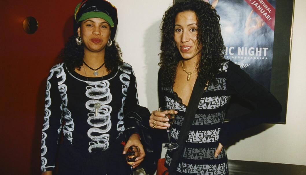Neneh Cherry och systern Titiyo 1999.