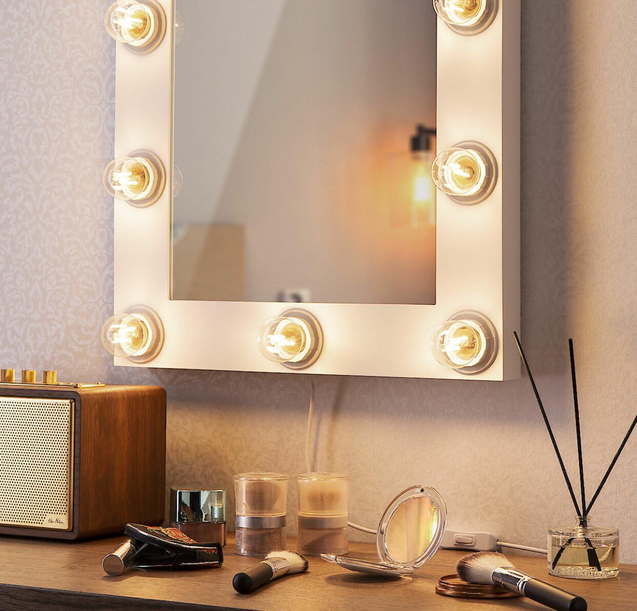 Spegel med belysning, från Northlight, Clas Ohlson