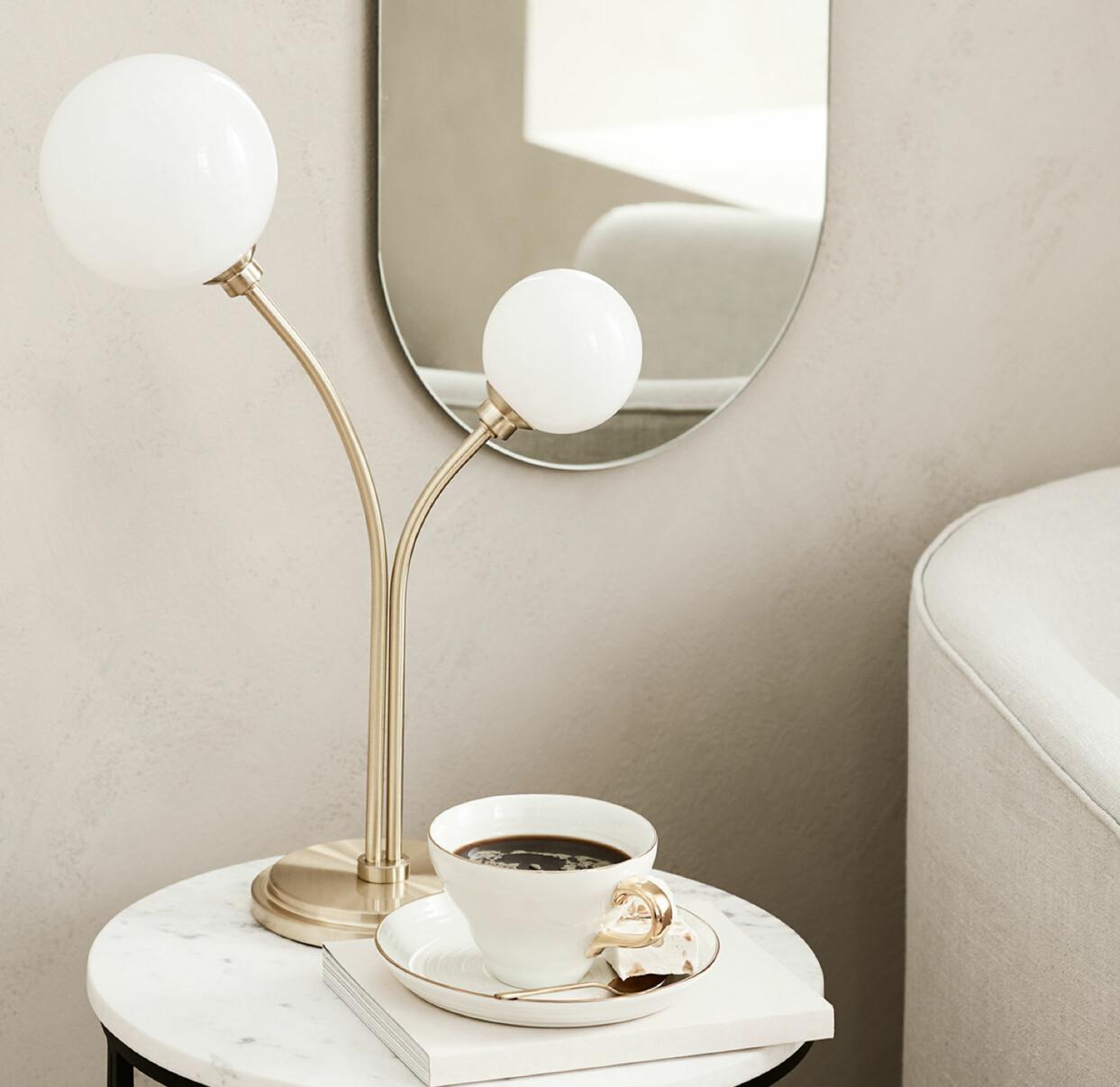 Bordslampa med dubbla armar, från H&M Home