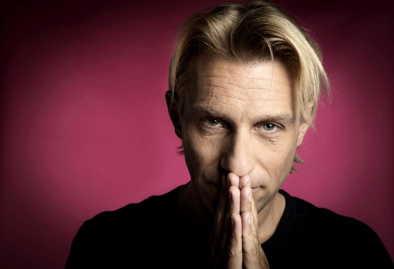 Porträtt av Anders Hansen som bland annat skrivit boken Skärmhjärnan.
