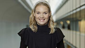 Emma Frans, forskare och expert i Gift vid första ögonkastet står framför en loftgång.