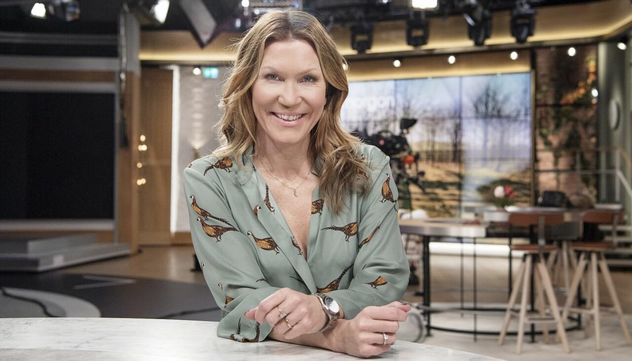 Porträtt av Jenny Alversjö i tv-studion.