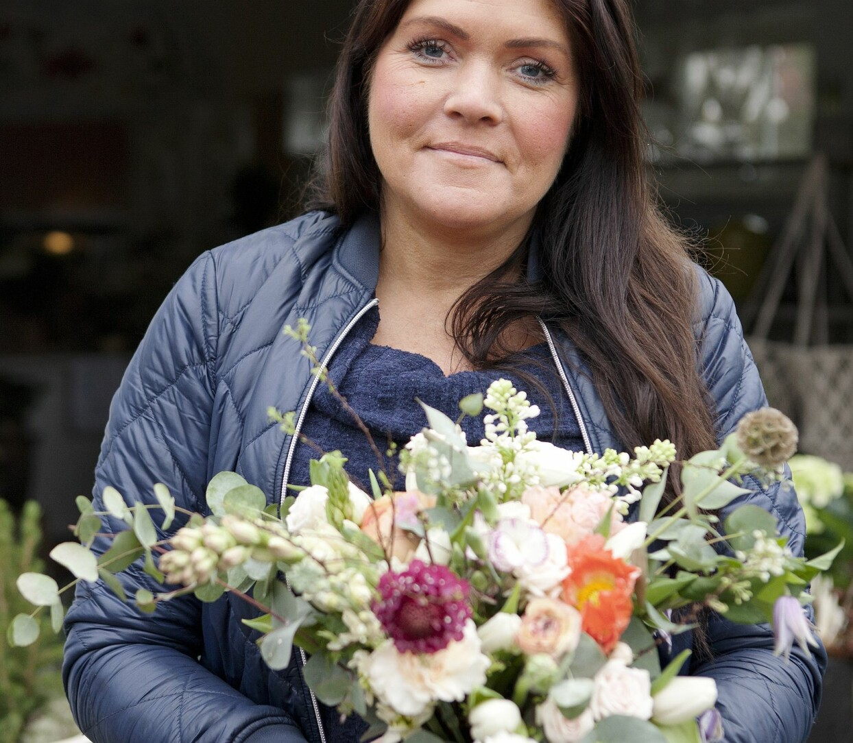 Tottie Larsson med vår fina vårbukett.