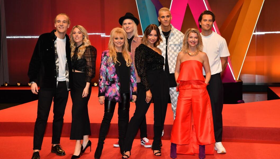 Artister i deltävling 4 av Melodifestivalen 2020. Från vänster: Simon Peyron, Ellen Benediktson, Nanne Grönvall, Jakob Karlberg, Hanna Ferm, William Stridh, Frida Öhrn och Victor Crone.