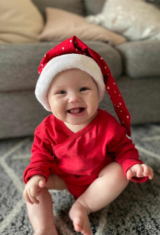 Alice Ström firar jul utklädd till tomte.