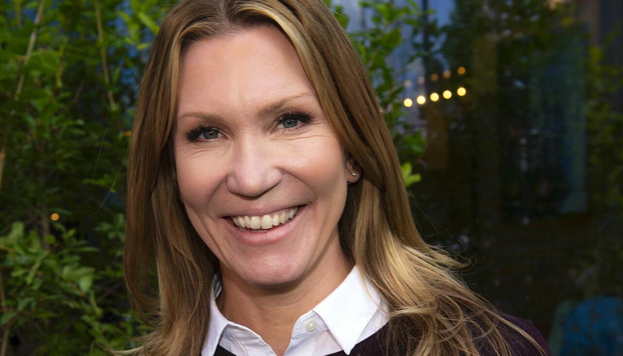 Porträtt av Jenny Alversjö som delar med sig av ännu ett glädjebesked efter stroken.