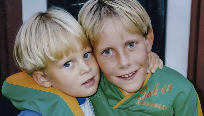 Mördade Billy Johansson och hans lillebror på bild när de var små pojkar.