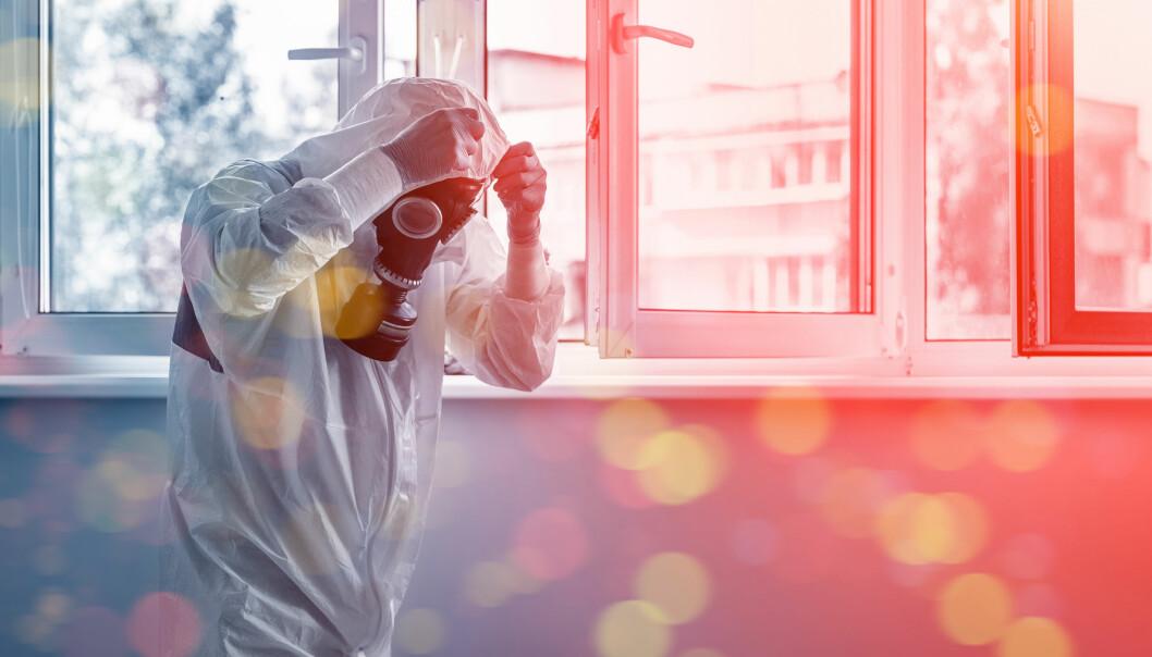 En läkare klädd i skyddsustyrsel för att möta coronavirus-smittade patienter.