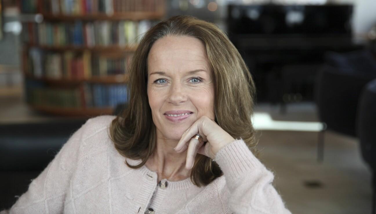 Porträtt av en leende Malin Berghagen.