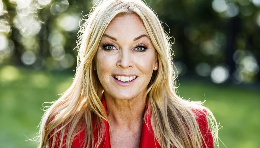 Linda Lindorff är programledare för Bonde söker fru 2020.