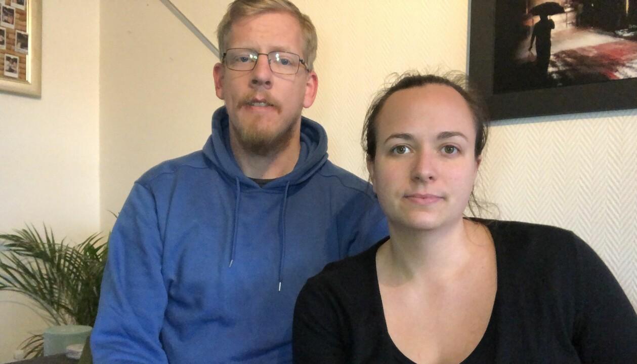 Klara-Maria Mach med maken Gustav hemma i Uppsala.