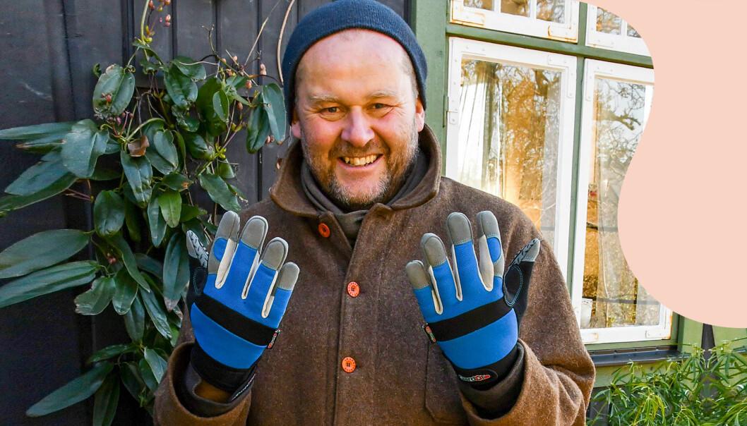 John Taylor testar trädgårdshandskar