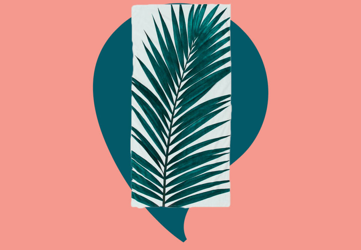 Strandhandduk med mönster av gröna blad