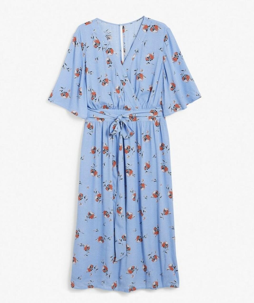 En blommig klänning från Kappahl