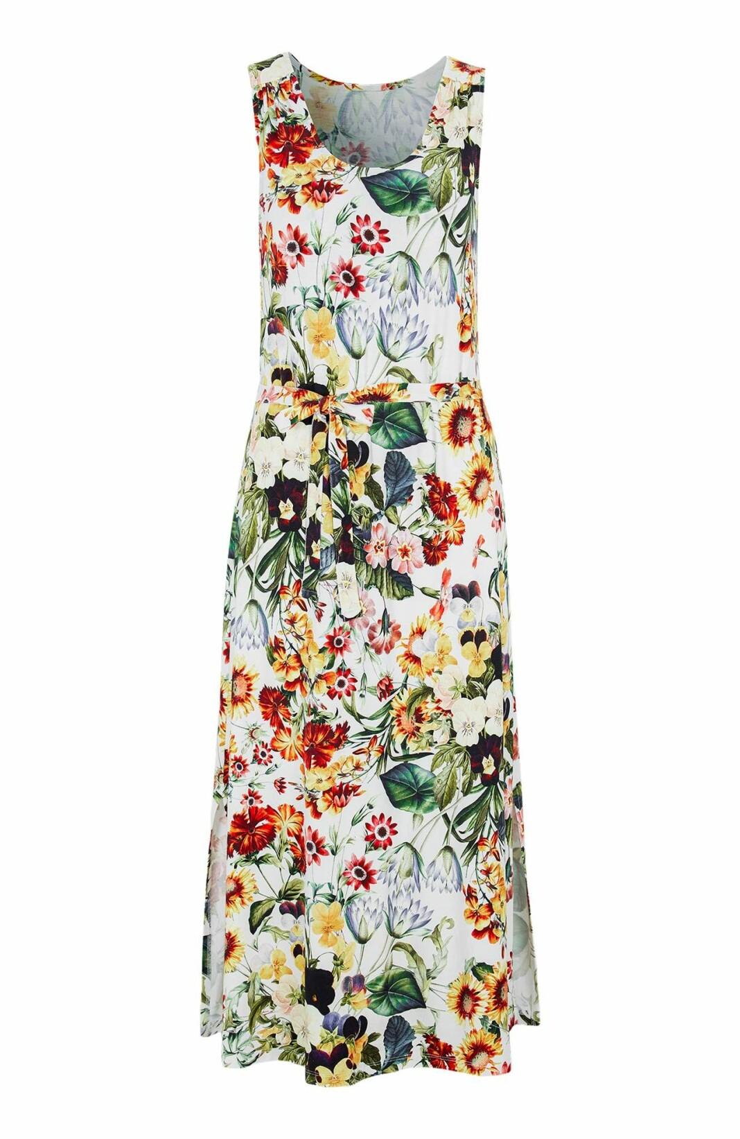 Klänning med mönster av sommarblommor i skön trikå