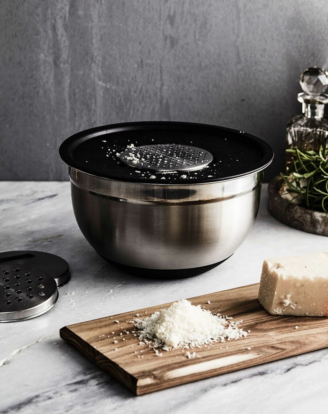 Smart rivskål för exempelvis ost och grönsaker.