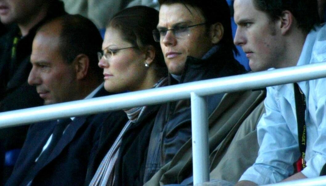 Kronprinsessan Victoria och Daniel på fotboll, 2003