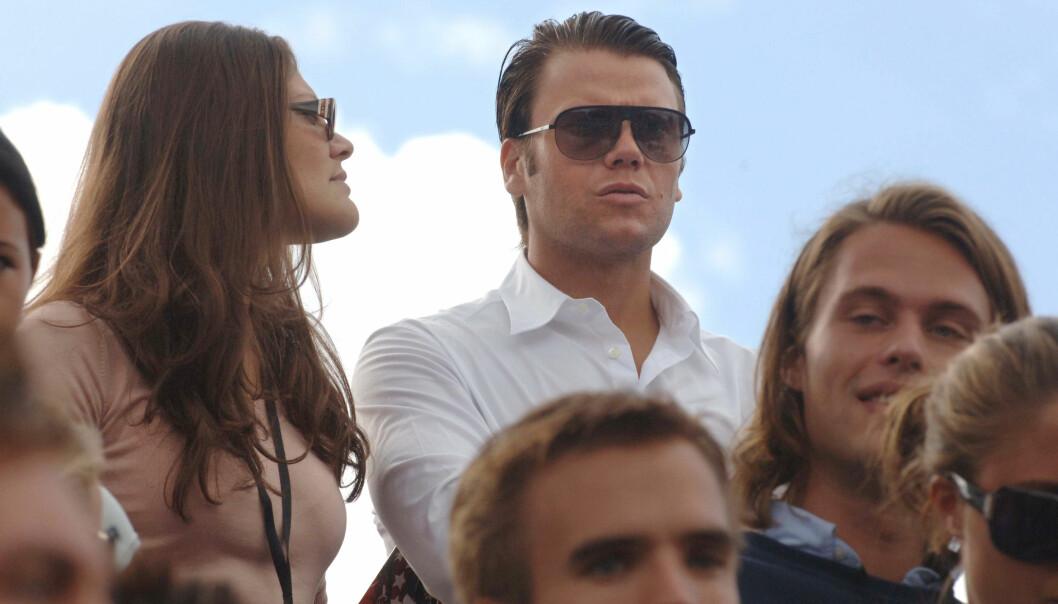 Kronprinsessan Victoria och Daniel Westling ser på Red Bull Ultimate Driver
