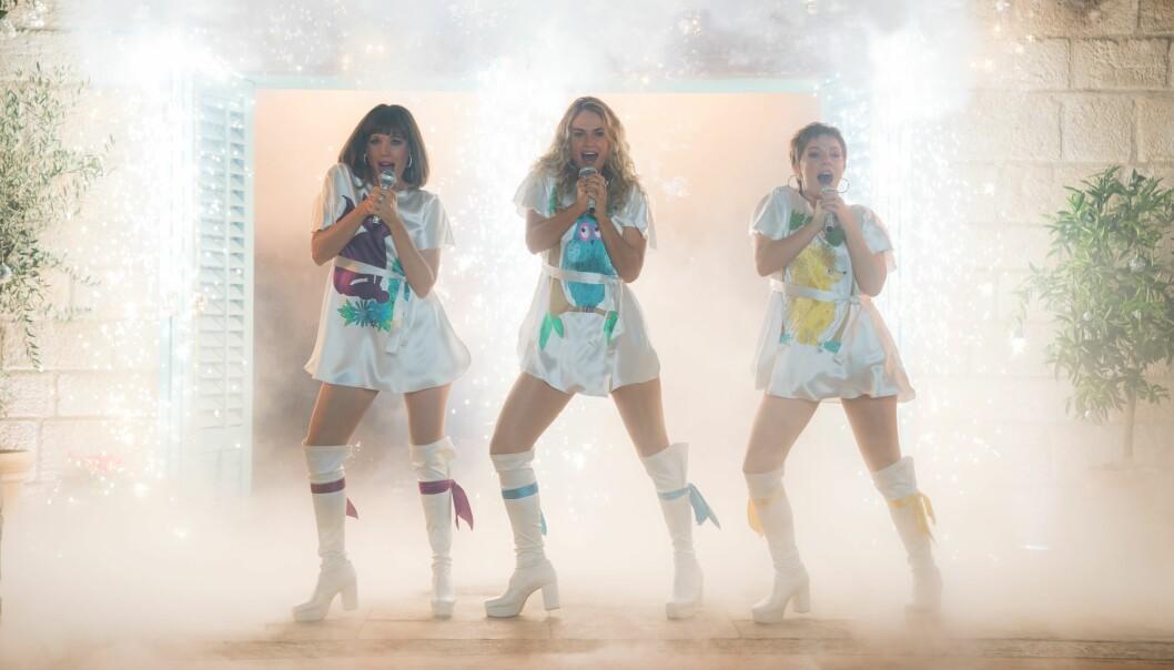 "Jessica Keenan Wynn, Lily James, Alexa Davies ""Mamma Mia! Here We Go Again"" Film - 2018"