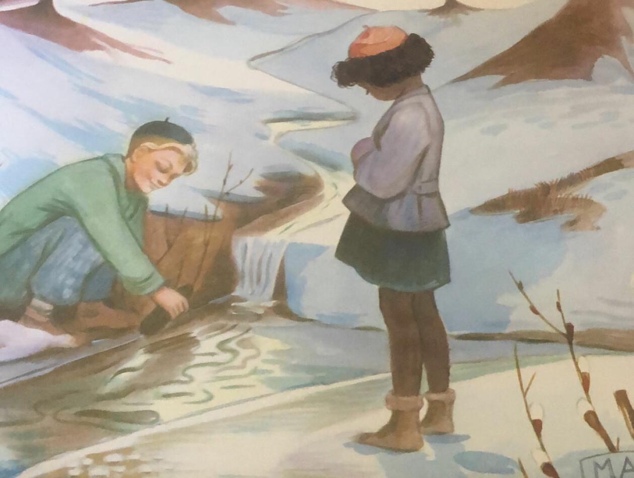 Ommålad kalenderbild. En svart flicka tittar på medan en vit pojke leker i en älv om vintern.