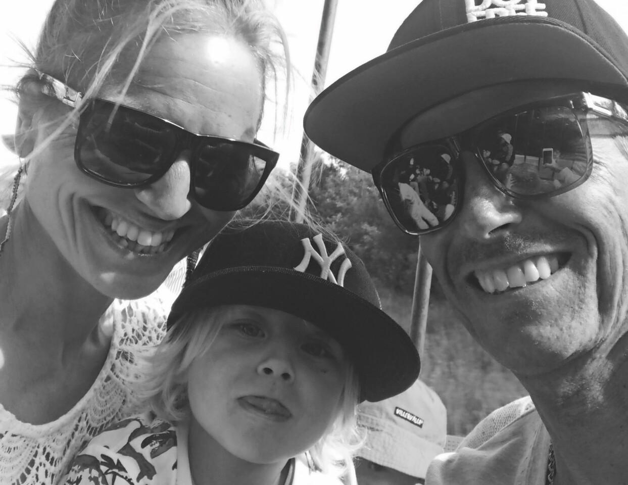 Johanna tillsammans med Anders och sonen Walter.