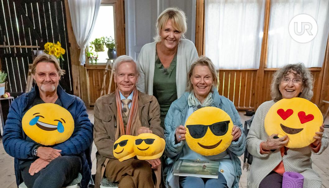 Johan Rabaeus, Carl-Jan Granqvist, Arja Saijomaa och Siw Malmkvist i Seniorsurfarna.