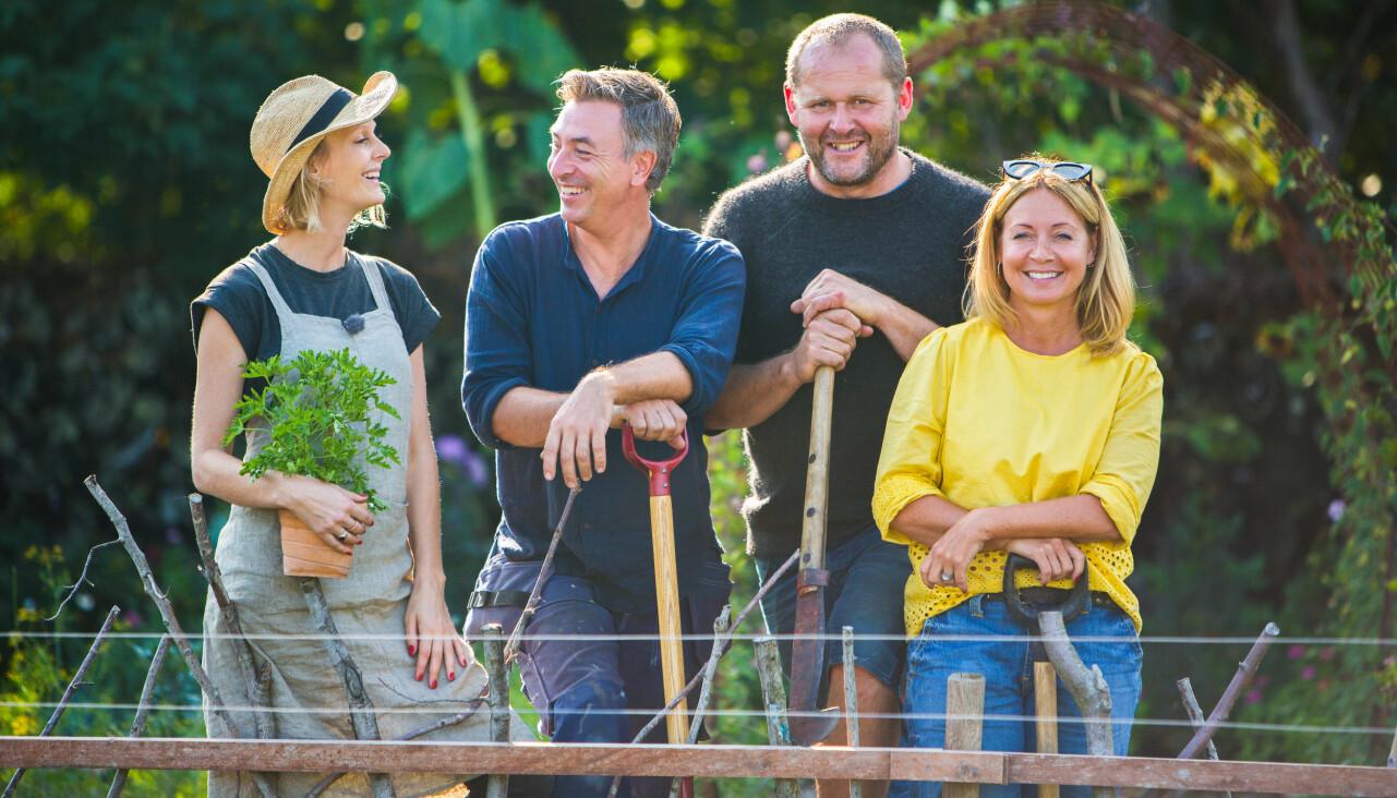 John Taylor, Malin Persson, Tareq Taylor och programledaren Pernilla Månsson Colt poserar inför nya säsongen av Trädgårdstider 2020.