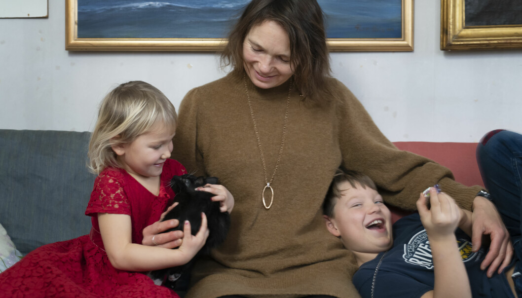 Josefina med barnen Enya och Jack