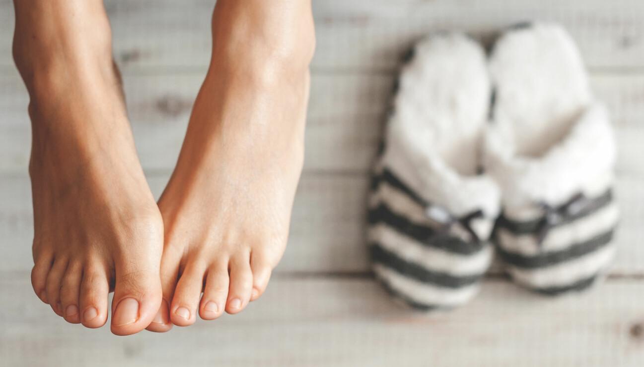 Ett par kalla fötter som kan värmas med diverse hjälpmedel.