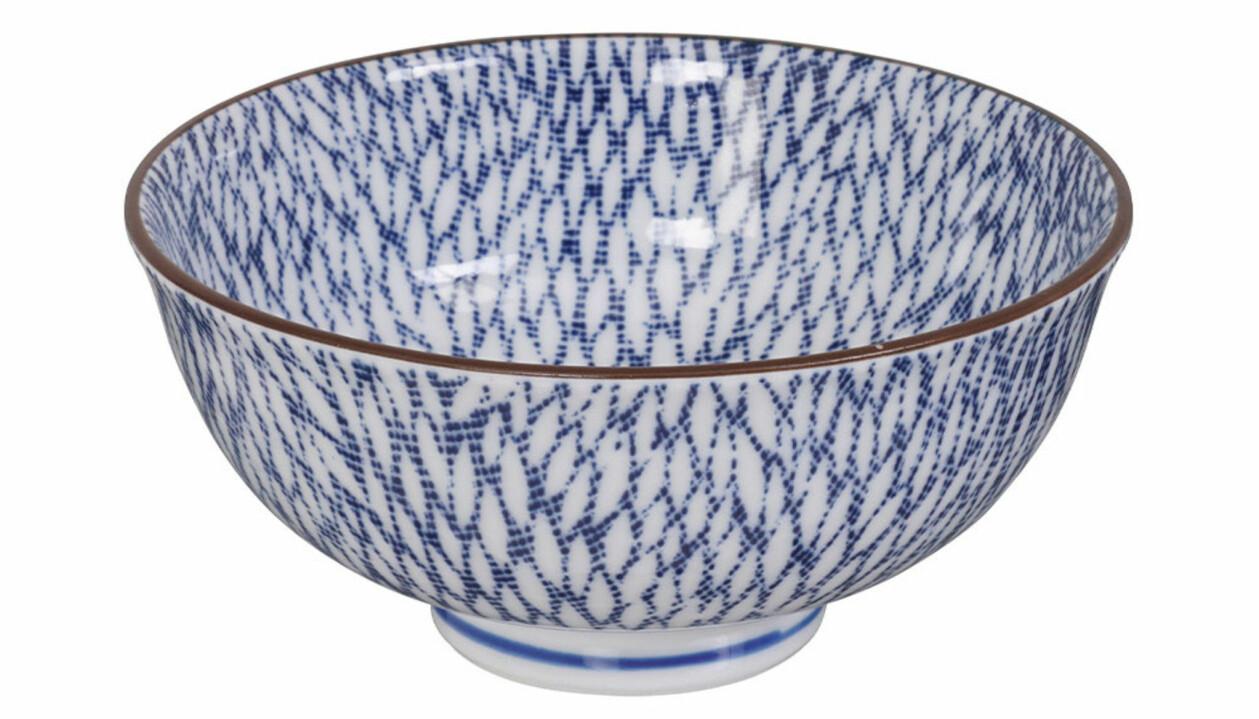 Keramikskål i blått och vitt, från Tokyo Design