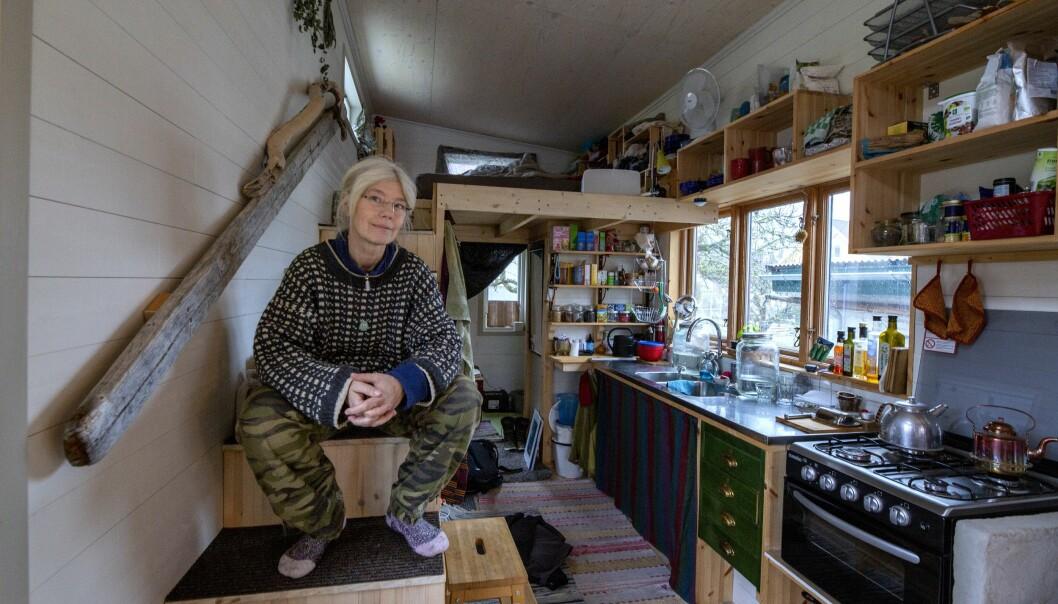 Kim de Bruin bor i ett minihus.