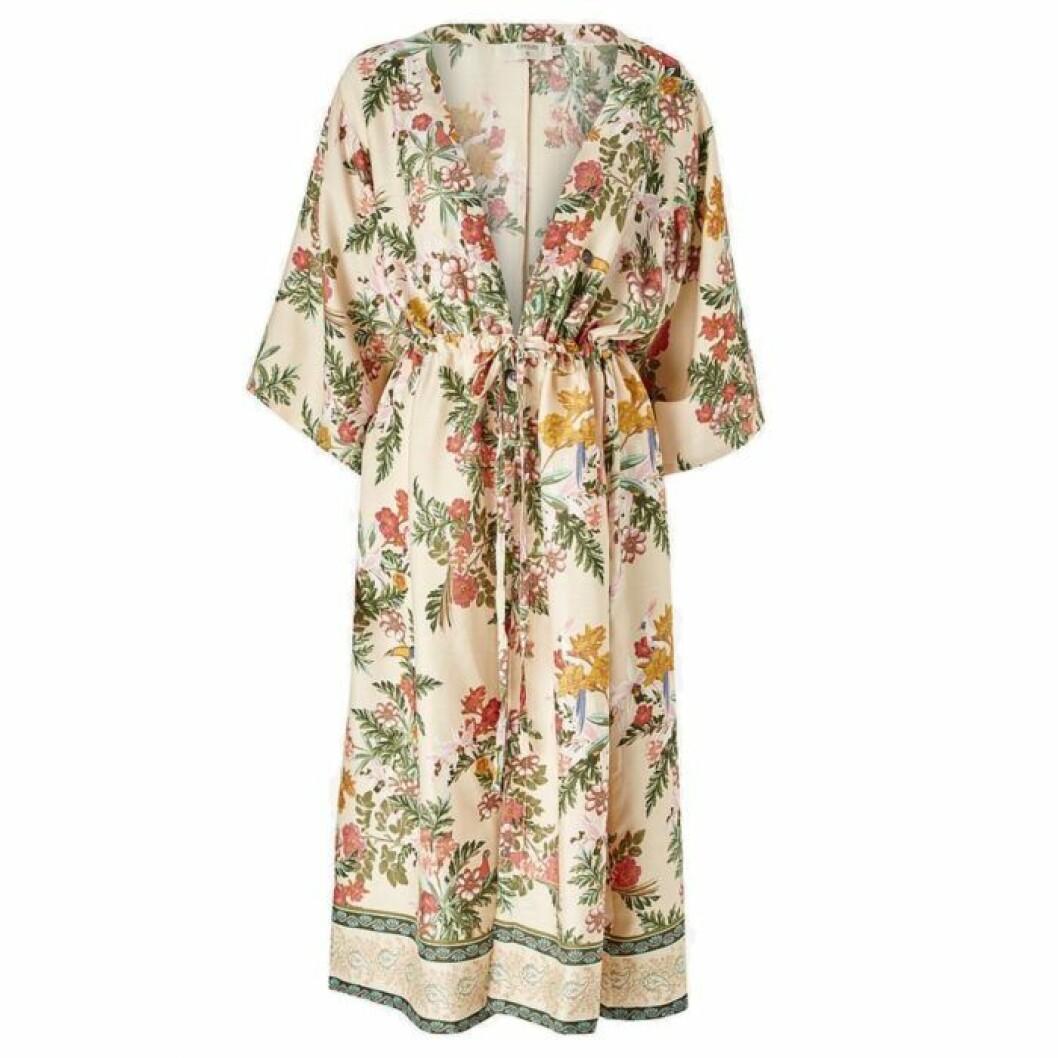 Blommig kimono från Ellos