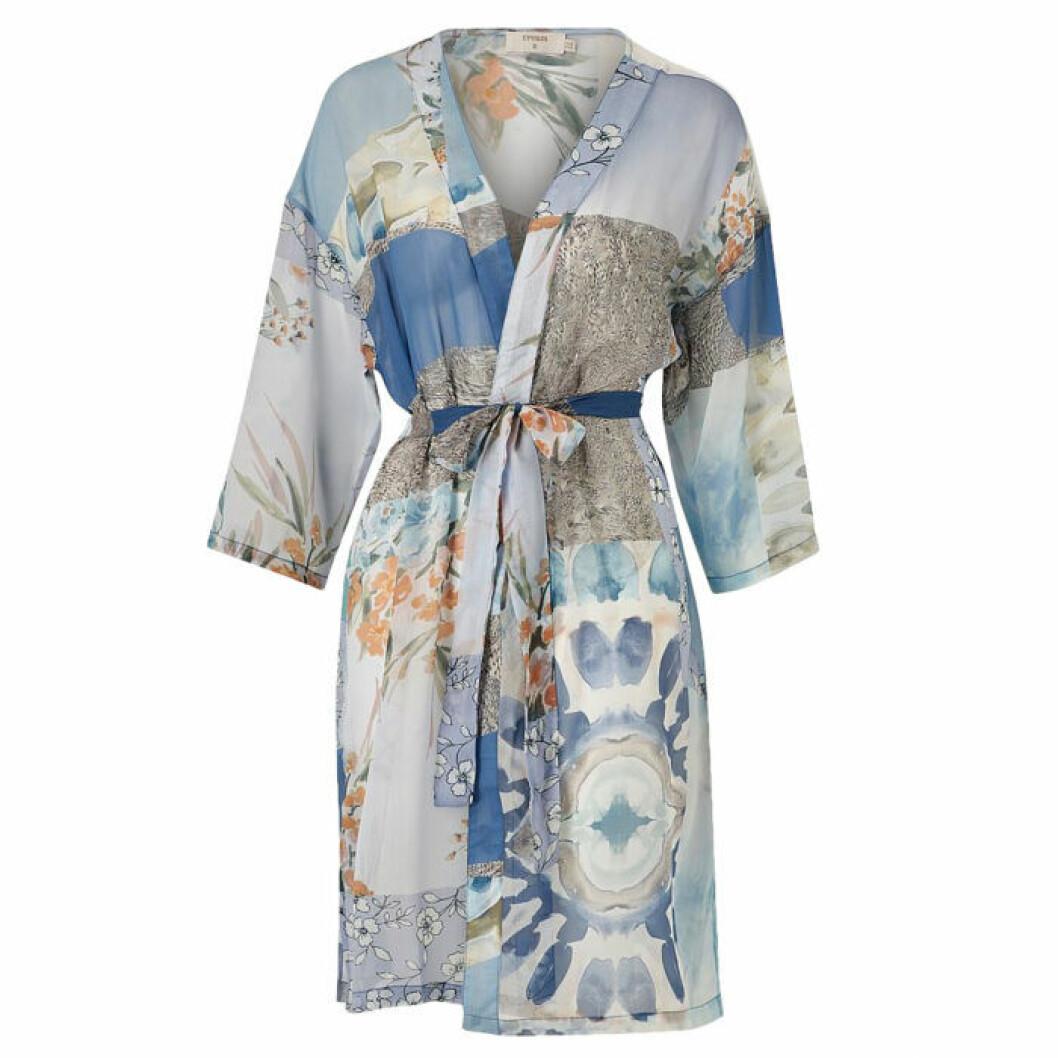 Blåmönstrad kimono från Cream