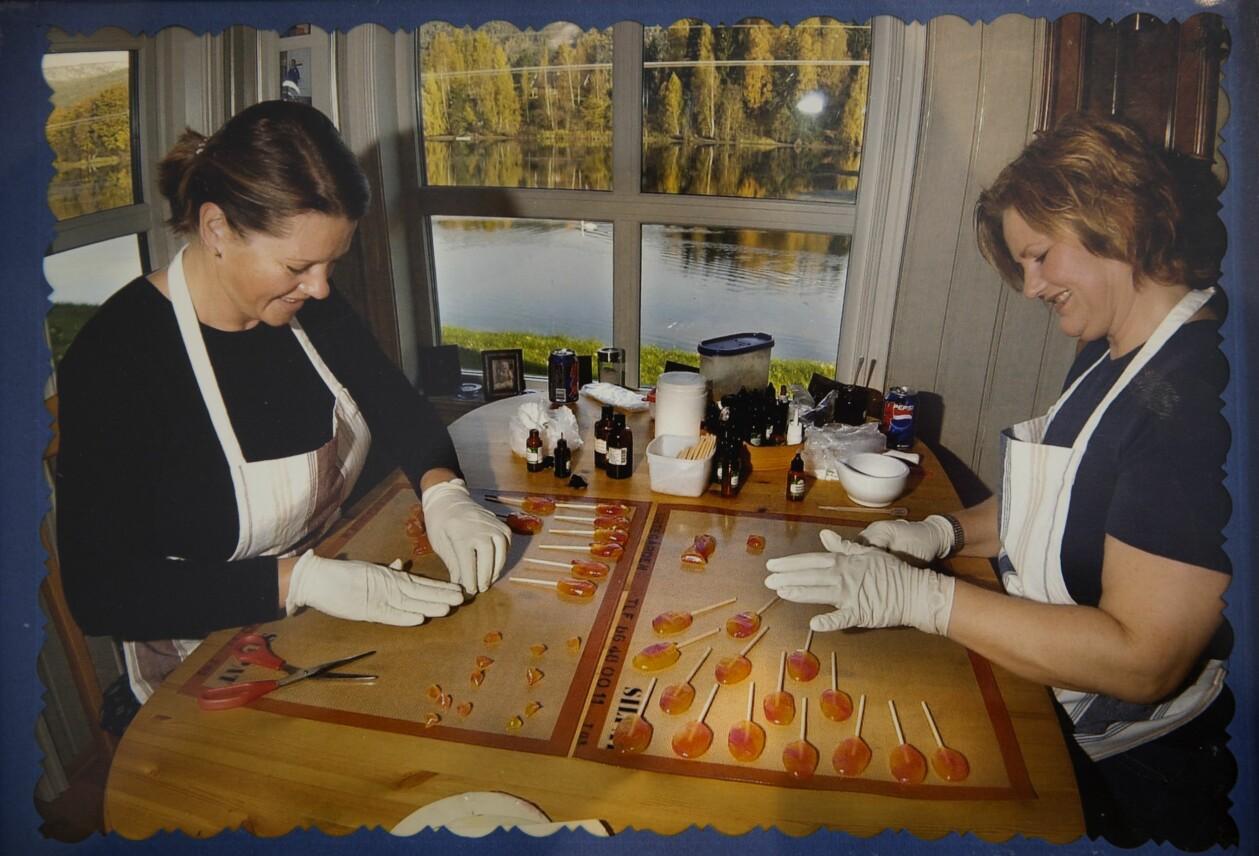 Kristin Reiner och vännen Sigrun hittade en ny hobby: Tillverka karameller.
