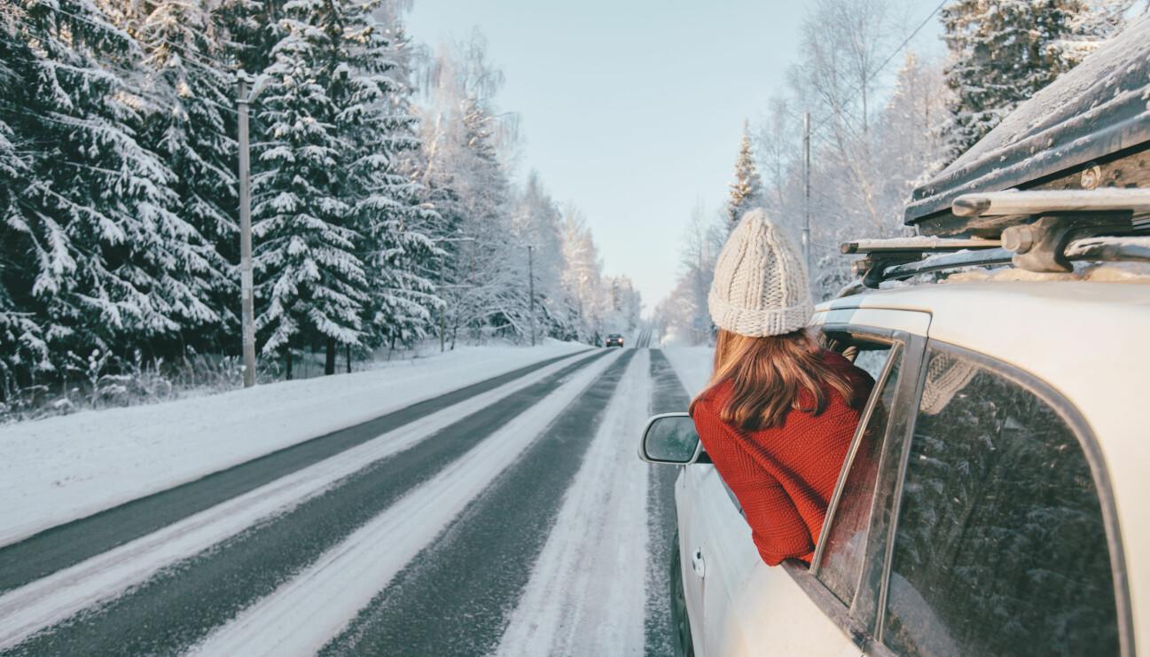 """Kvinnor i Sverige väljer jullåten """"Driving home for Christmas """" av Chris Rea som favorit att spela i bilen. Det visar en Sifo-undersökning."""