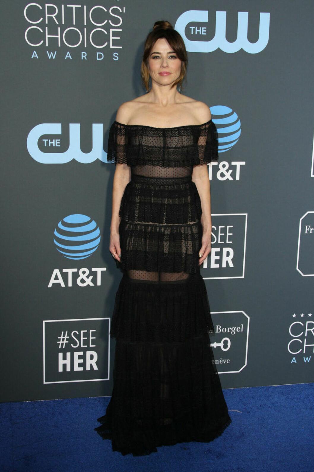 Linda Cardellini på röda mattan på Critics Choice Awards 2019