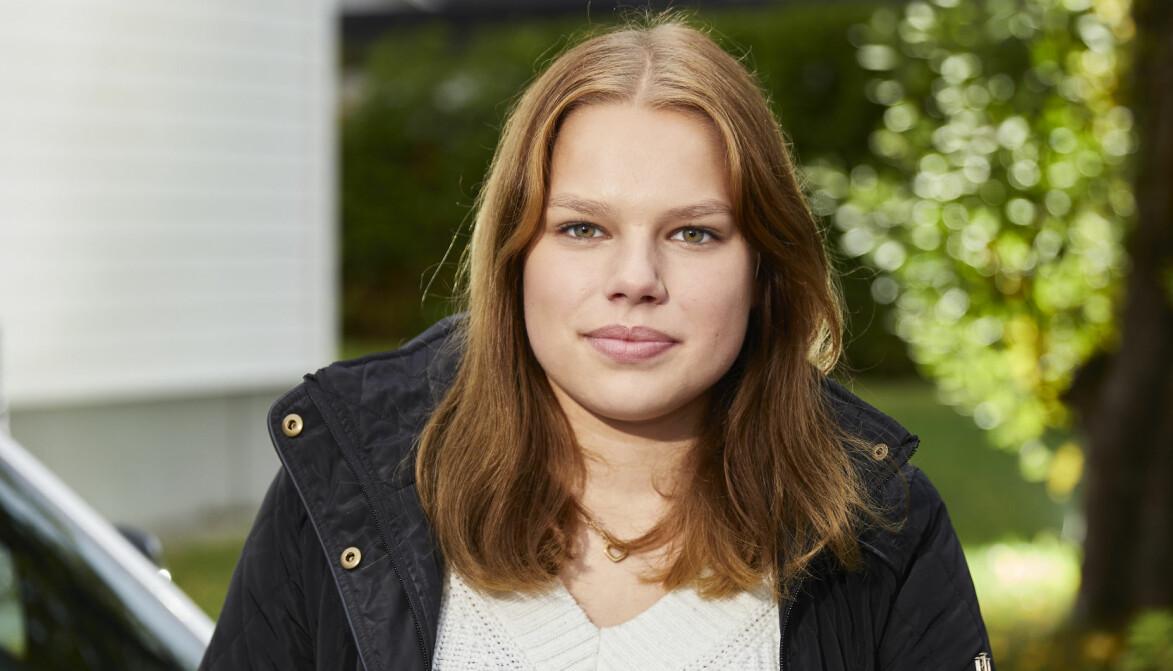 Linnea Karhula räddade livet på två kompisar som blev knivhuggna av ett gämg.