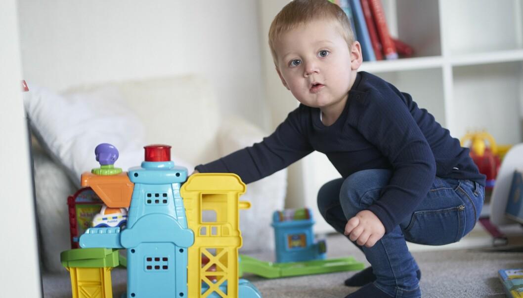 Lukas Köster, som drabbades av cancer, är friskförklarad efter mammans enorma insats att lägga allt annat åt sidan.