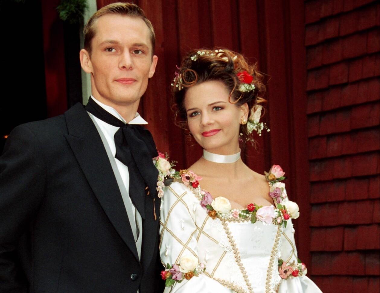Måns Herngren och Lena Philipsson gifter sig 1993.